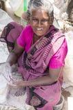 Redakcyjny illustrative wizerunek Biedna pracownik kobieta w India Fotografia Stock