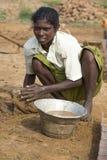 Redakcyjny illustrative wizerunek Biedna pracownik kobieta w India Zdjęcie Royalty Free
