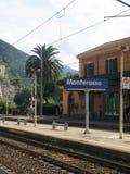 Redakcyjny Monterosso dworzec zdjęcia royalty free