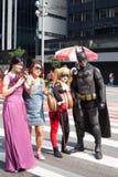 Redaktörs- cosplay på Paulista Arkivfoto