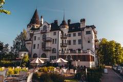 Redaktörs- gammal slott i Imatra som agerar som ett hotell arkivbilder
