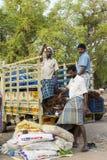 Redaktörs- illustrativ bild Shoppa av frukter och grönsaker Royaltyfria Foton