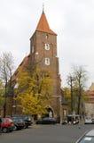 Redaktörs- Krakow Polen kyrka av det heliga korset (Kosciol Swiete Arkivfoto