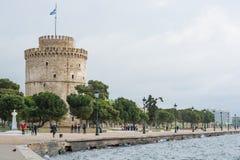 redaktionell April 2019 Saloniki, Griechenland Stadtbild, Ansicht des weißen Turms in der Mitte Saloniki stockbilder