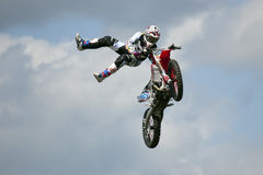 REDBOURN, het UK - 25 Mei: Unamed stuntruiter van Bolddog 'L royalty-vrije stock fotografie