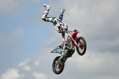 REDBOURN, UK - Maj 25: Unamed wyczynu kaskaderskiego jeździec od Bolddog 'L zdjęcia royalty free
