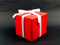 Redbox på svart bakgrund Royaltyfri Fotografi