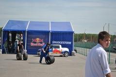 Redbull rijdt stemmende raceauto, drif, rds Stock Afbeeldingen