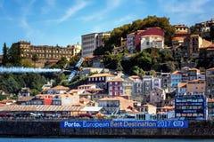 Redbull-Wettfliegen Porto 2017 stockbild