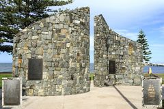 Redcliffe - Fisrt Settlement Memorial Wall. Arrival site of brig Amity carrying commandant Miller, explorer Oxley, crew and convicts who established Redcliffe Stock Image