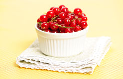 Redcurrant in bowl Royalty Free Stock Photography