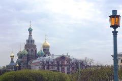 Redder op de Tempel van het Bloed, St. Petersburg, Rusland Stock Foto