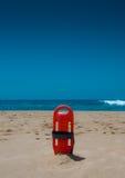 Reddingsboei op een strand Stock Afbeelding