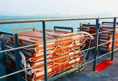 Reddingsvlotten op veerboot Stock Foto