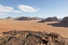 Reddish sand and rock landscapes in the desert of Wadi Rum Stock Photos