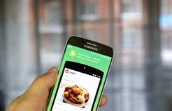 Reddit app em Samsung S7 Fotos de Stock