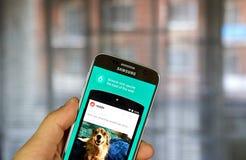 Reddit app en Samsung S7 Fotografía de archivo libre de regalías