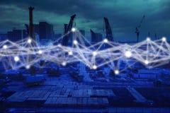 Rede da tecnologia no conceito da construção, conexão de rede da construção do ícone com a relação virtual da tela moderna com fi foto de stock
