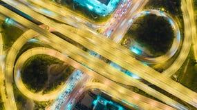 Rede da vista aérea ou interseção da estrada da estrada para o fundo do conceito do transporte ou da distribuição imagem de stock