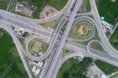 Rede da vista aérea ou interseção da estrada da estrada para o fundo do conceito do transporte ou da distribuição fotos de stock royalty free