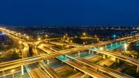 Rede da vista aérea ou interseção da estrada da estrada para o fundo do conceito do transporte ou da distribuição fotos de stock