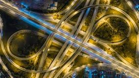 Rede da vista aérea ou interseção da estrada da estrada para o fundo do conceito do transporte ou da distribuição imagens de stock royalty free