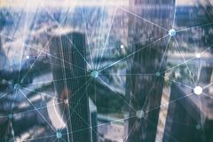 Rede de Blockchain no fundo borrado dos arranha-céus Conceito financeiro da tecnologia e da comunicação imagem de stock royalty free