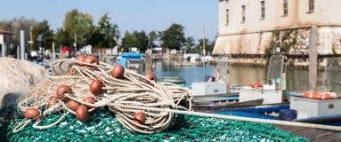 Rede de pesca no porto Imagens de Stock Royalty Free