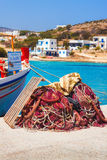 20 06 2016 - Rede de pesca no porto de Agios Georgios, ilha de Iraklia Foto de Stock Royalty Free