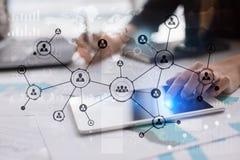 Rede do Social da estrutura dos ícones dos povos Hora Gestão de recursos humanos Internet do negócio e conceito da tecnologia Imagens de Stock