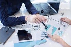 Rede do Social da estrutura dos ícones dos povos Hora Gestão de recursos humanos Internet do negócio e conceito da tecnologia Imagem de Stock