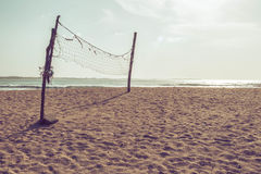 Rede do voleibol na praia Fotografia de Stock Royalty Free