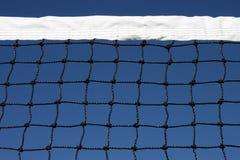 Rede e céu do tênis Fotos de Stock Royalty Free