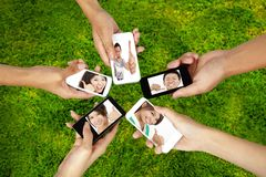 Rede social no conceito esperto do telefone fotografia de stock royalty free