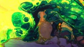 Redemoinho e explosão de explosão misturada da cor vídeos de arquivo