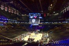 Redes contra o basquetebol dos touros no centro de Barclays Foto de Stock