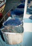 REDES DE PESCA EN EL BARCO fotografía de archivo libre de regalías