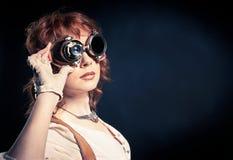 Redhair有风镜的steampunk妇女 免版税图库摄影