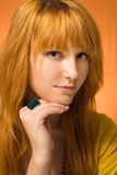 redhead έφηβος τοποθέτησης Στοκ Εικόνες