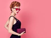 Redhead πρότυπο μόδας Μοντέρνο Mohawk hairstyle Στοκ φωτογραφίες με δικαίωμα ελεύθερης χρήσης