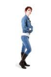 Redhead в джинсах и куртке демикотона Стоковое Изображение