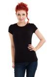 Redhead con la camicia nera in bianco Immagini Stock