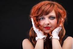 Redhead encantador - mulher de cabelo vermelha bonita nova Foto de Stock