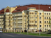 Redidential byggnad i Astana Royaltyfri Bild