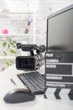 Redigera den videopd datoren och kameran arkivfoto