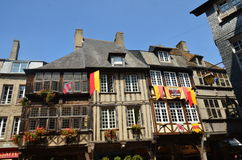 Średniowieczna ulica w Vire w Normandy na LIPU 2014 (Francja) Fotografia Stock