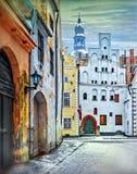 Średniowieczna ulica z dekoracyjnymi drzwiami Ryski miasto, Latvia Zdjęcia Stock