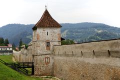Średniowieczne Brasov fortyfikacje, Rumunia Obrazy Royalty Free