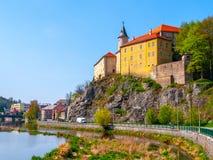 Średniowieczny Grodowy Ledec nad Sazavou na pogodnym wiosna dniu, republika czech Zdjęcie Royalty Free