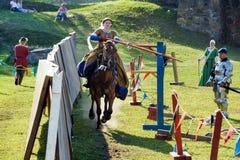Średniowieczny historyczny festiwal, rycerze turniejowi Fotografia Stock